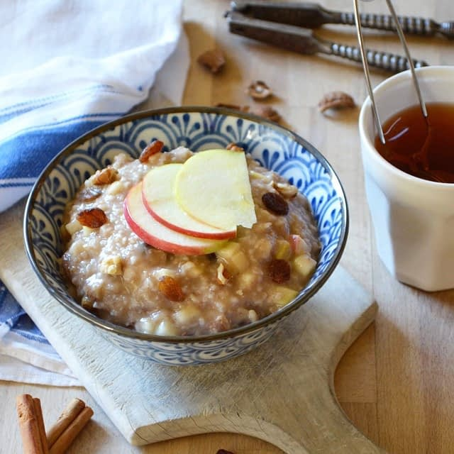 Apple Pie Oatmeal. Recipe and photo by That Healthy Kitchen