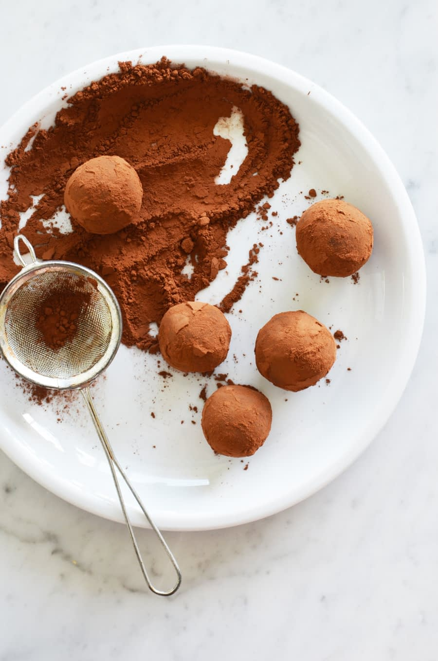 Whole food healthier 3 ingredient chocolate truffles by That Healthy Kitchen