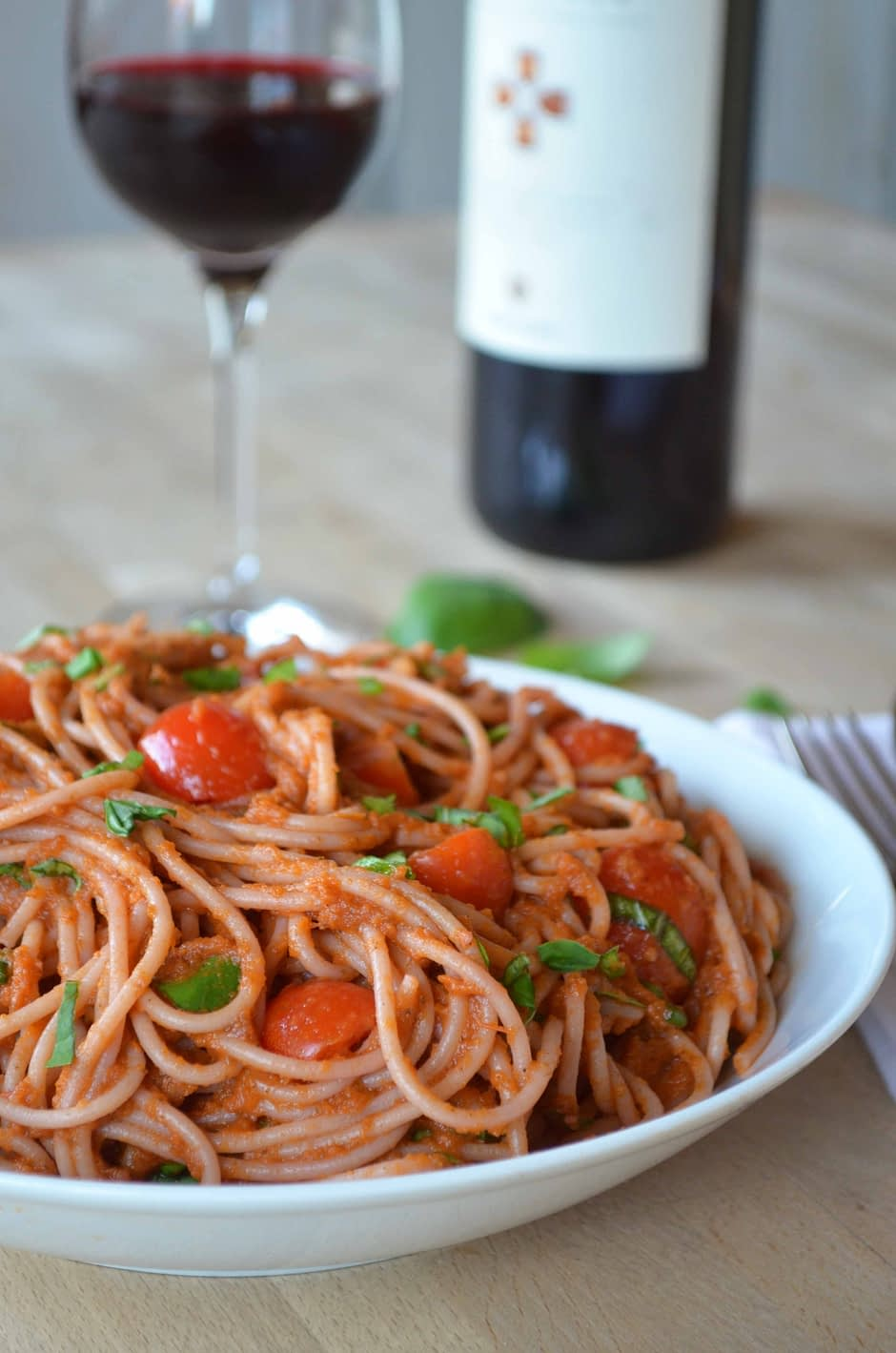 The best marinara pasta sauce. Recipe and photo by That Healthy Kitchen