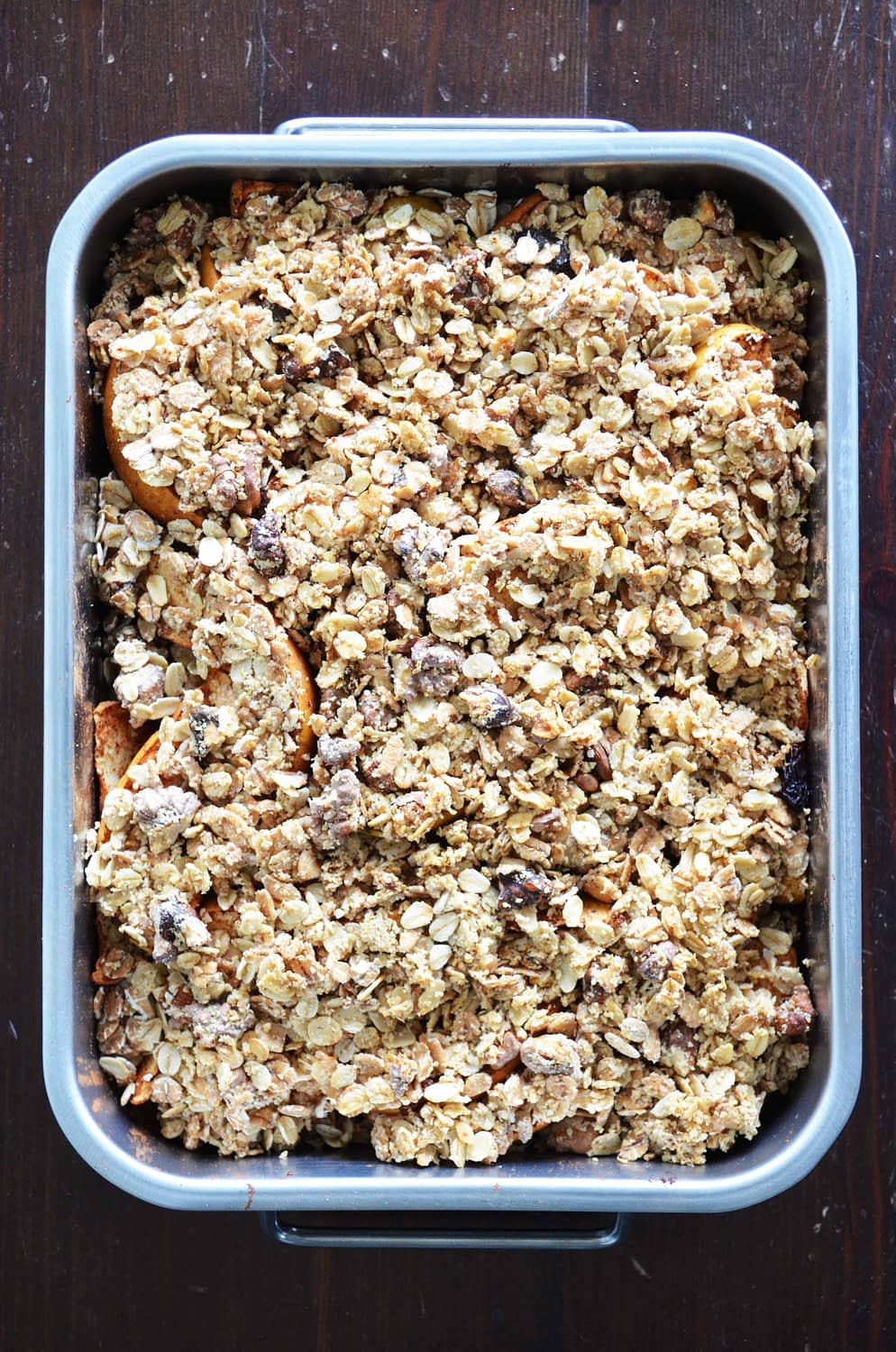 A delicious Baked Apple Crisp recipe from That Healthy Kitchen. This version is gluten free and vegan, and naturally sweetened. Find the recipe on www.thathealthykitchen.com/baked-apple-crisp