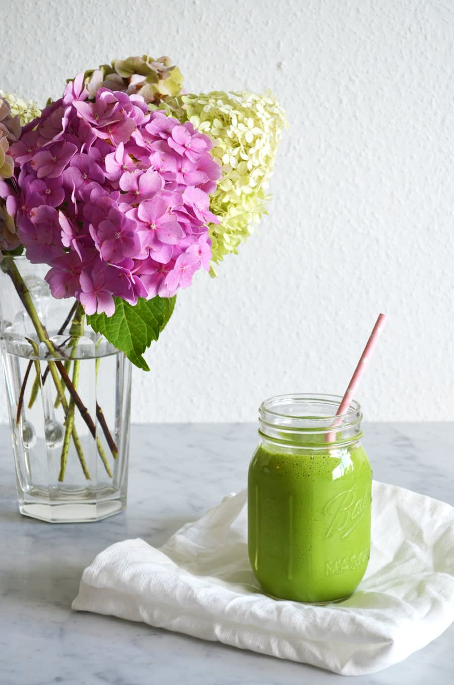 Green lime smoothie by That Healthy Kitchen